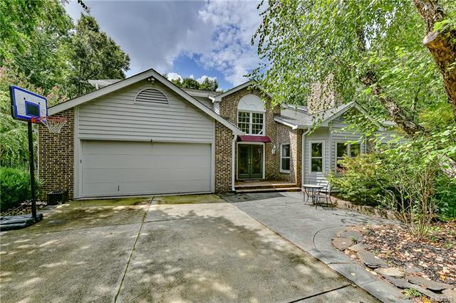 343 Forest Trail Drive, Matthews, NC 28105 (#3417455) :: LePage Johnson Realty Group, LLC
