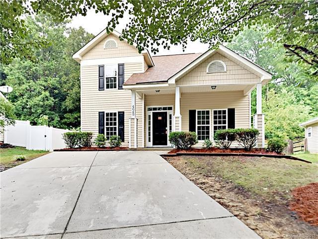 4649 Brandie Glen Road, Charlotte, NC 28269 (#3417637) :: The Ramsey Group