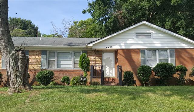 4439 Millbridge Drive, Charlotte, NC 28208 (#3417642) :: The Ramsey Group