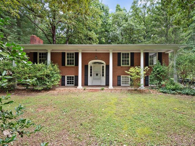 100 Brightwater Heights Drive, Hendersonville, NC 28791 (#3417945) :: LePage Johnson Realty Group, LLC