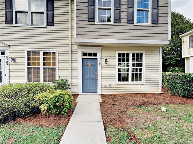 5529 Seths Drive, Charlotte, NC 28269 (#3417954) :: The Elite Group