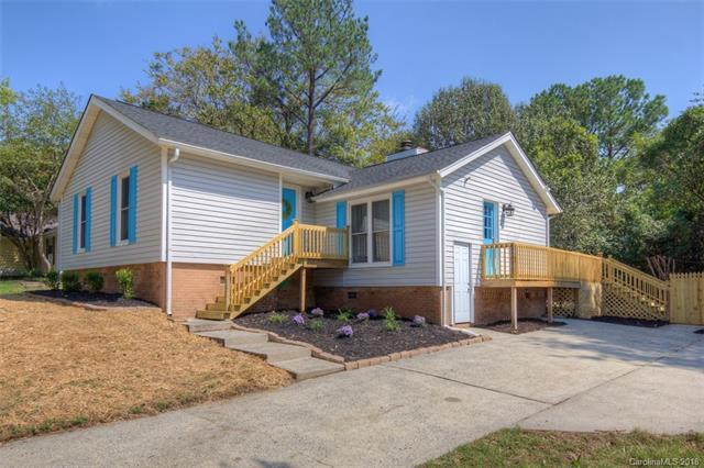 10927 Kingfisher Drive, Charlotte, NC 28226 (#3418186) :: David Hoffman Group