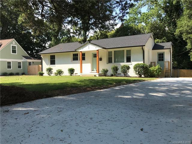 2439 Elkwood Circle, Charlotte, NC 28205 (#3418193) :: LePage Johnson Realty Group, LLC