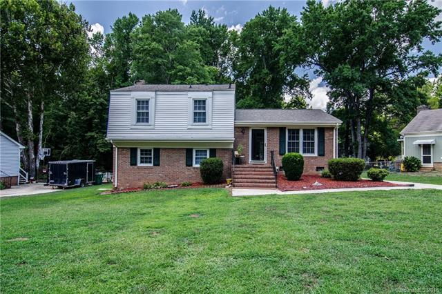 8309 Abercorn Lane, Charlotte, NC 28227 (#3418476) :: High Performance Real Estate Advisors