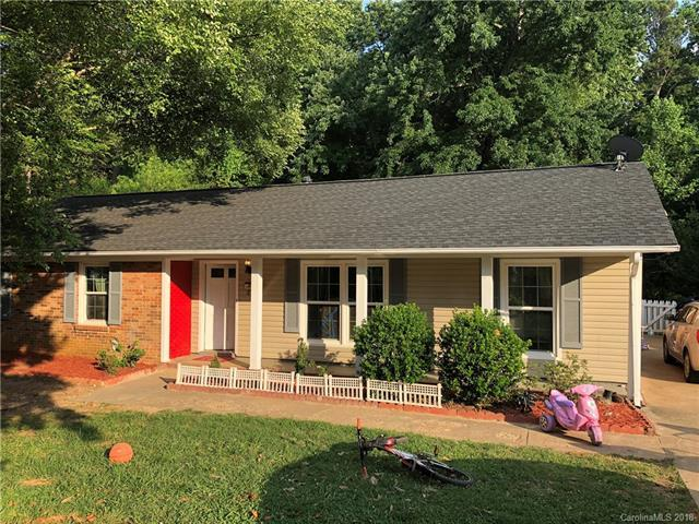 6508 Farmway Place, Charlotte, NC 28215 (#3418667) :: LePage Johnson Realty Group, LLC