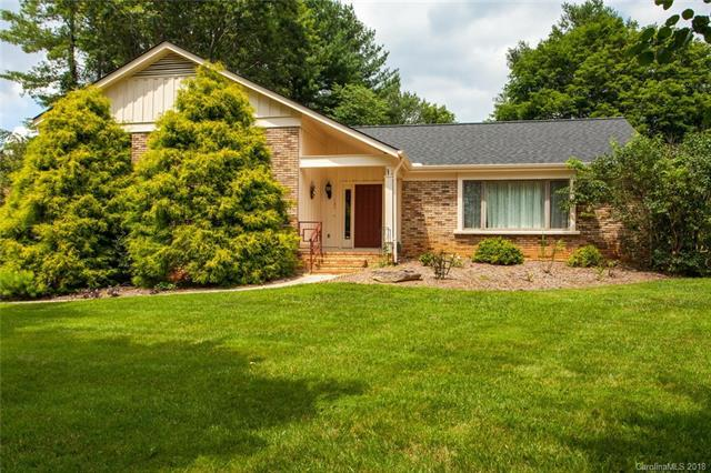 129 White Water Drive, Hendersonville, NC 28792 (#3418719) :: Exit Mountain Realty