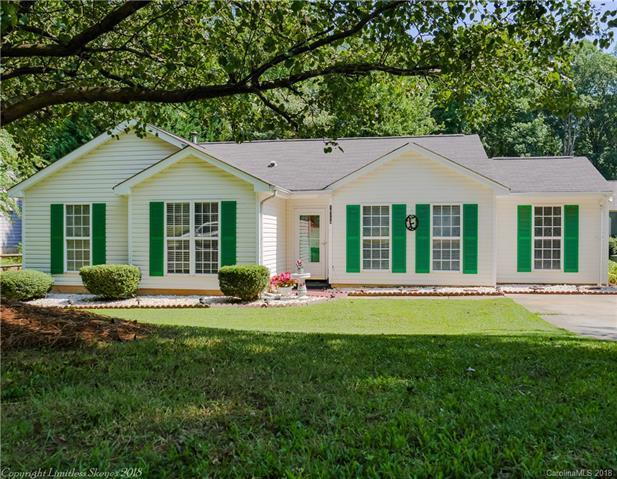 16114 Amber Field Drive, Huntersville, NC 28078 (#3418744) :: LePage Johnson Realty Group, LLC