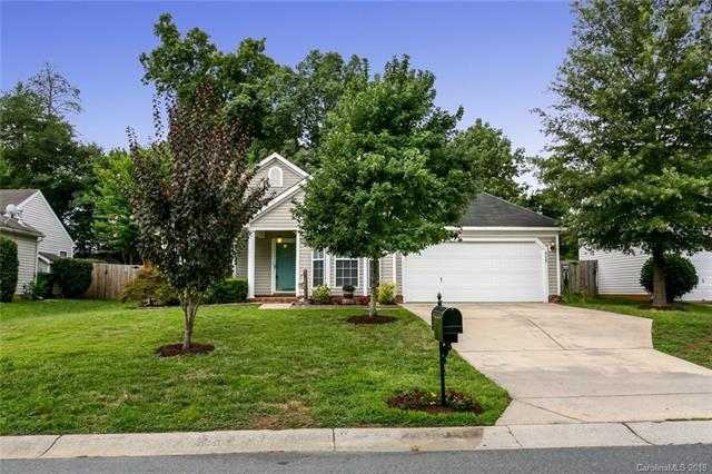 915 Morning Glory Drive, Charlotte, NC 28262 (#3418763) :: RE/MAX Four Seasons Realty