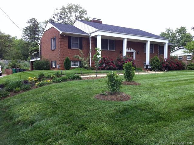 1632 Patton Avenue, Charlotte, NC 28216 (#3419578) :: LePage Johnson Realty Group, LLC