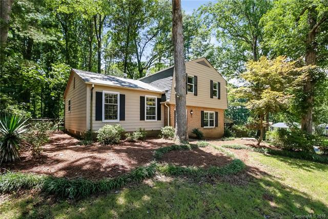 6218 Cross Creek Lane, Charlotte, NC 28212 (#3420392) :: The Andy Bovender Team