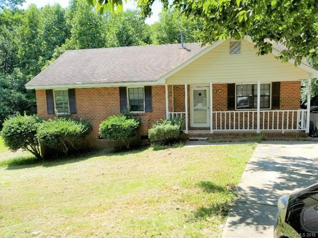 6316 Rocklake Drive, Charlotte, NC 28214 (#3420531) :: Exit Mountain Realty