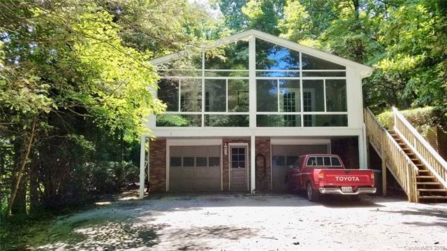 166 Long John Drive, Hendersonville, NC 28791 (#3420624) :: Puffer Properties