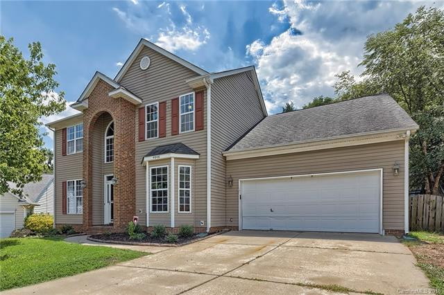 4646 Highcroft Lane, Charlotte, NC 28269 (#3420746) :: Exit Mountain Realty