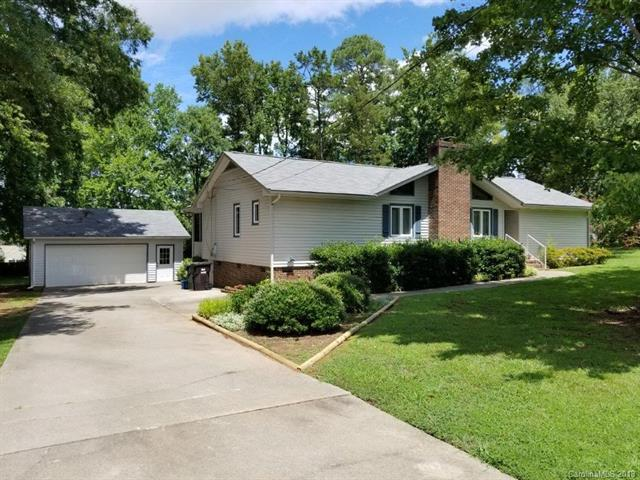 244 Hillcrest Drive, Rock Hill, SC 29732 (#3421346) :: The Andy Bovender Team