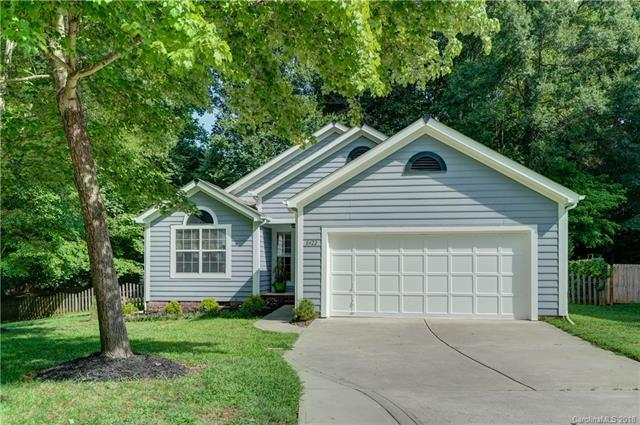 8422 Belstead Brook Court, Charlotte, NC 28216 (#3421529) :: Exit Mountain Realty
