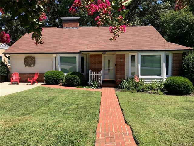 506 Lakeside Drive, Statesville, NC 28677 (#3421812) :: LePage Johnson Realty Group, LLC