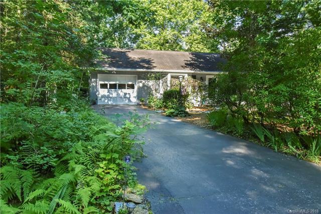 360 Chipmunk Drive, Hendersonville, NC 28791 (#3421950) :: RE/MAX Four Seasons Realty