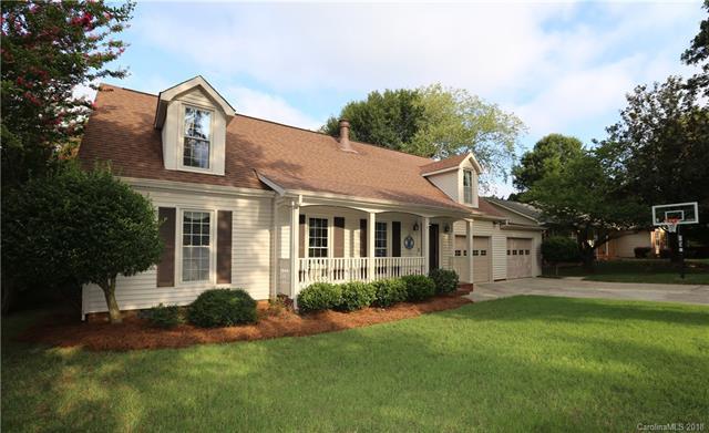 4617 Quail Canyon Drive, Charlotte, NC 28226 (#3422086) :: Stephen Cooley Real Estate Group