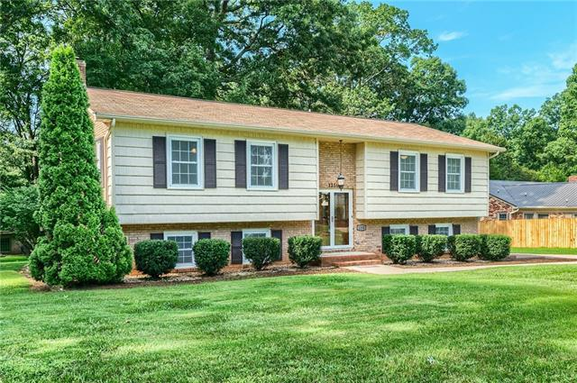 1250 19th Avenue NE, Hickory, NC 28601 (#3422284) :: Exit Mountain Realty