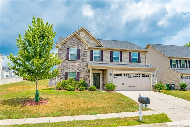 12822 Plumleaf Drive, Charlotte, NC 28213 (#3422328) :: Caulder Realty and Land Co.