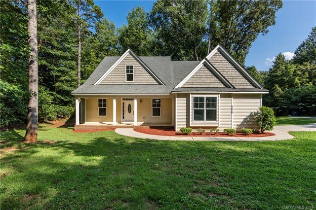 9404 Glen Brook Drive, Charlotte, NC 28215 (#3422356) :: Exit Mountain Realty
