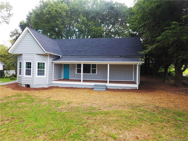 1318 Old Us 25 Highway, Zirconia, NC 28790 (#3422593) :: RE/MAX RESULTS