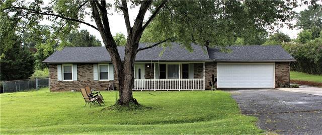 107 Acorn Drive, Hendersonville, NC 28792 (#3422661) :: LePage Johnson Realty Group, LLC