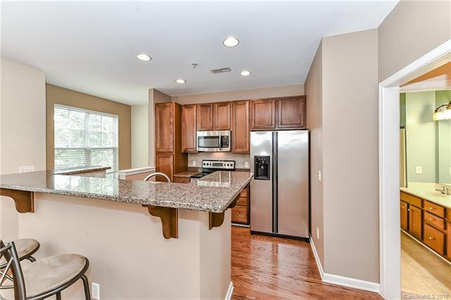 1572 Walnut View Drive, Charlotte, NC 28208 (#3422929) :: The Elite Group