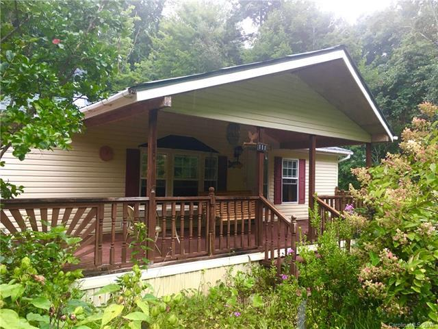 111 Chestnut Cove Road, Whittier, NC 28789 (#3423068) :: LePage Johnson Realty Group, LLC