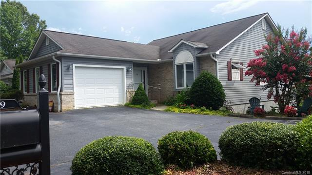 17 Driver Court #112, Hendersonville, NC 28739 (#3423148) :: MartinGroup Properties