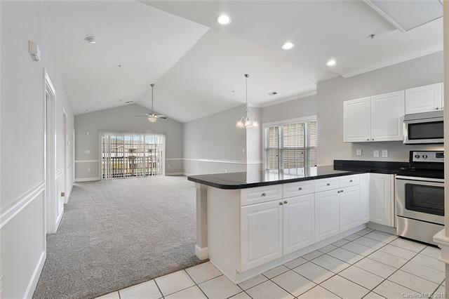 8939 Meadow Vista Road, Charlotte, NC 28213 (#3423486) :: The Ramsey Group