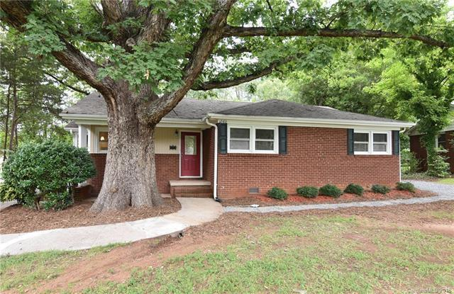 1260 Roanoke Avenue, Charlotte, NC 28205 (#3423592) :: SearchCharlotte.com