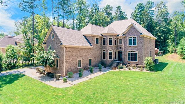 4252 River Oaks Road, Lake Wylie, SC 29710 (#3423643) :: Mossy Oak Properties Land and Luxury