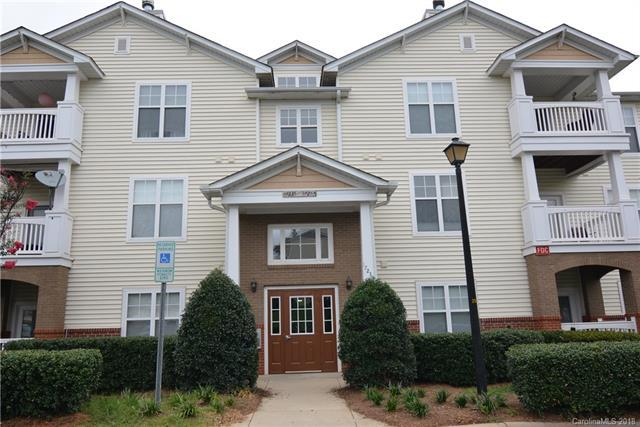 17237 Doe Valley Court, Cornelius, NC 28031 (#3423690) :: RE/MAX Metrolina