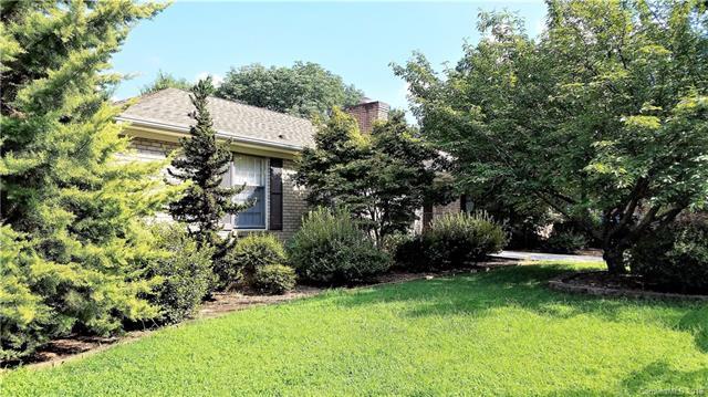 4603 Whispering Oaks Drive, Charlotte, NC 28213 (#3423800) :: Charlotte Home Experts