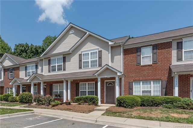 3423 Calpella Court, Charlotte, NC 28262 (#3423879) :: Exit Mountain Realty
