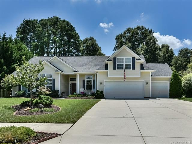 7009 Snapdragon Court, Matthews, NC 28104 (#3423919) :: The Elite Group