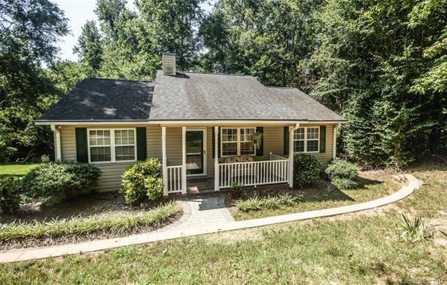 820 Clearview Court, Concord, NC 28025 (#3423922) :: Odell Realty Group
