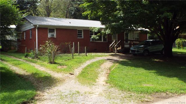 203 Hawthorne Avenue, Swannanoa, NC 28778 (#3424032) :: Besecker Homes Team