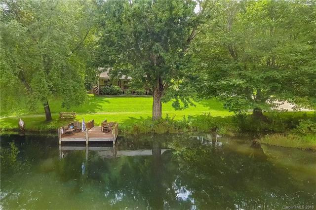 383 Heath Retreat Road, Waynesville, NC 28786 (#3424306) :: Puffer Properties