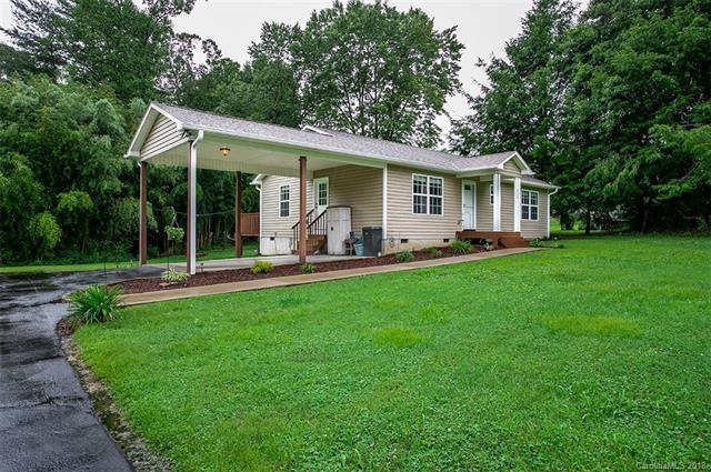 323 Lakeside Drive, Hendersonville, NC 28739 (#3424327) :: RE/MAX Four Seasons Realty