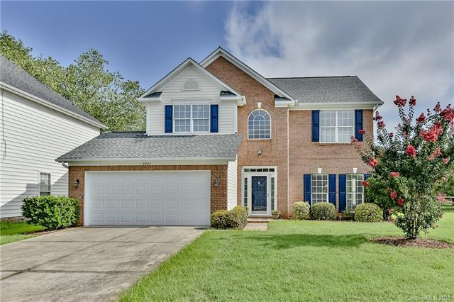 8922 Coppermine Lane, Charlotte, NC 28269 (#3424345) :: The Ramsey Group