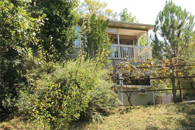 1343 E Lakeshore Drive, Landrum, SC 29356 (#3424534) :: Homes Charlotte