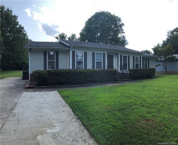 7401 Quail Ridge Drive, Charlotte, NC 28226 (#3424635) :: Carlyle Properties
