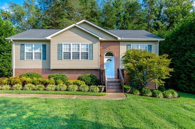 9 Granite Creek Drive, Granite Falls, NC 28630 (#3424643) :: Zanthia Hastings Team