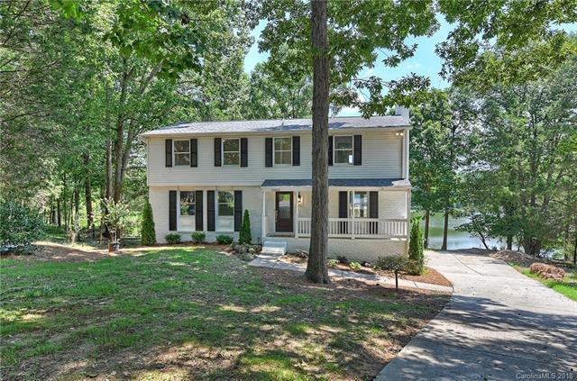 10000 Silver Lake Court, Charlotte, NC 28277 (#3424723) :: RE/MAX Metrolina