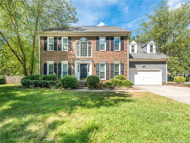 6708 Lyndonville Drive, Charlotte, NC 28277 (#3424768) :: Charlotte Home Experts