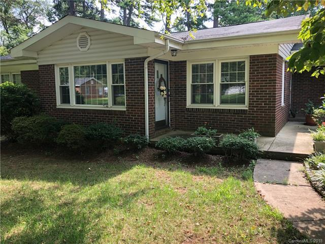 1701 Ronald Street, Charlotte, NC 28216 (#3424833) :: Odell Realty