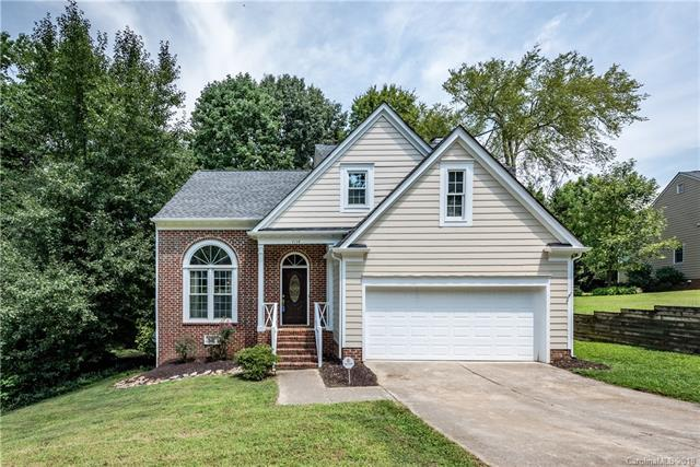 7114 Kinsmore Lane, Charlotte, NC 28269 (#3425035) :: The Ramsey Group