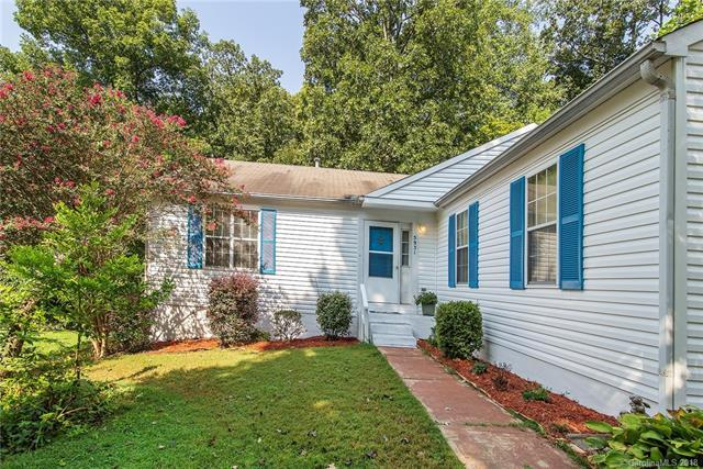 5931 Running Deer Road #34, Charlotte, NC 28214 (#3425078) :: High Performance Real Estate Advisors
